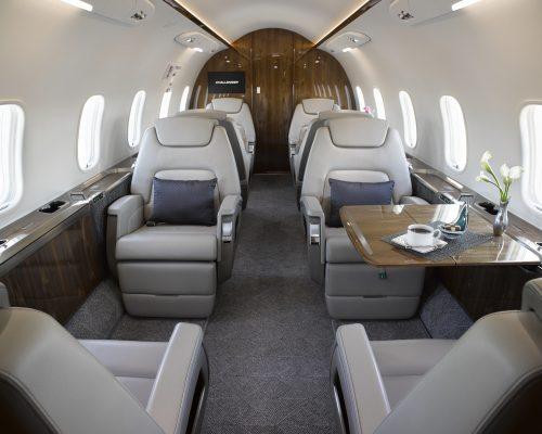 https://www.aerojetme.com/wp-content/uploads/2021/01/challenger-350-interior-500x400-1.jpg